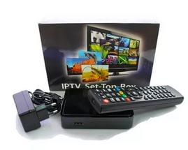 Для просмотра IPTV на телевизоре необходима IPTV приставка — небольшое устройство, которое подключается к телевизору и дарит огромное количество мультимедийных функций.